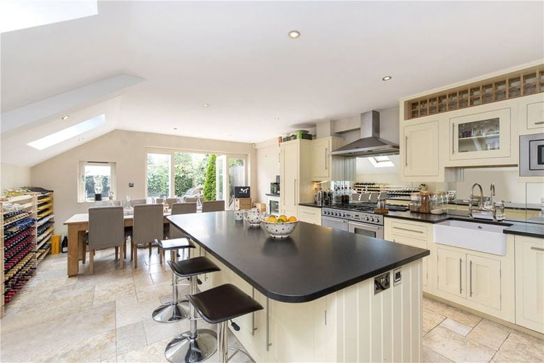 3 bedroom house, Kimbell Gardens, London SW6 - Available