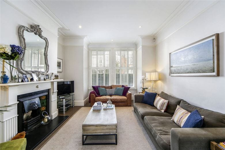 6 bedroom house, Finlay Street, Fulham SW6 - Available