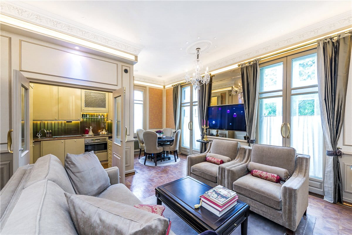 Flat For Sale In 11 Ovington Gardens Hereford House Sw3