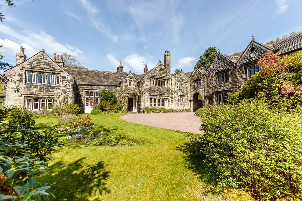 9 bedroom house, Brearley Hall, Luddendenfoot HX2 - Under Offer