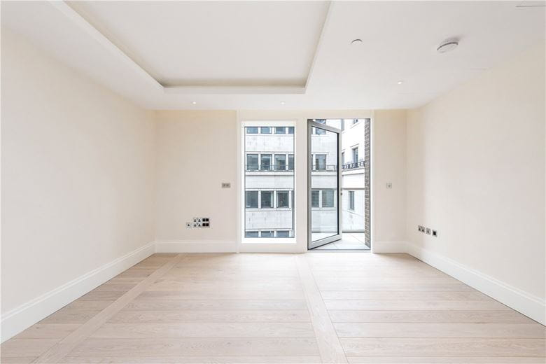 1 bedroom flat, Strand, Mayfair WC2R - Available