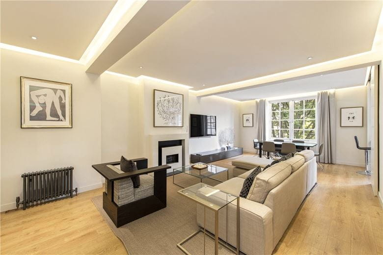 2 bedroom flat, Dunraven Street, London W1K - Available